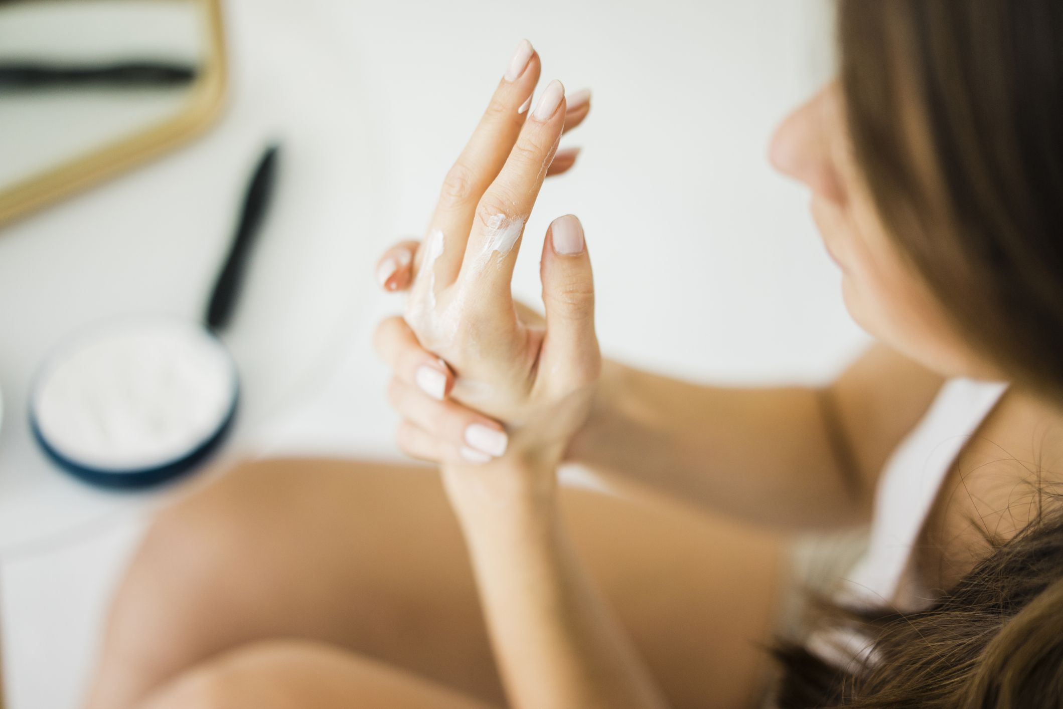 How Can CBD Help You to Heal Dry Skin During Winters?